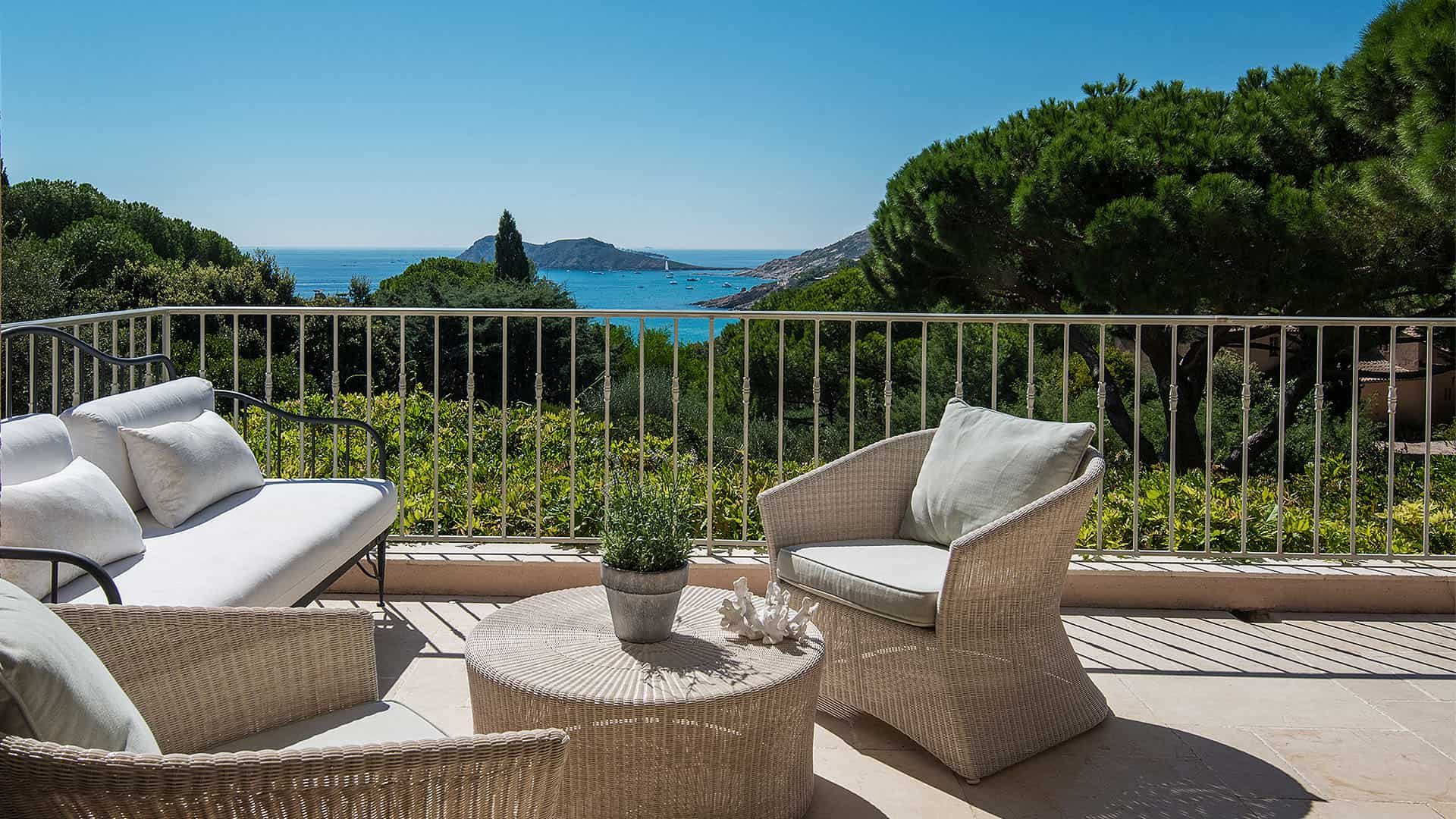 Villa Bergerie – Beautiful Villa – Sea Views